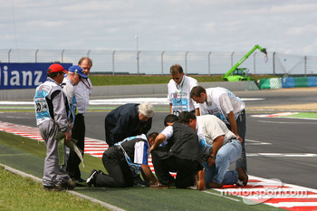 Problems with the astro-turf grass on the exit of the last corner