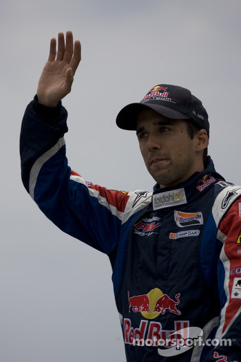 Neel Jani waves to the fans