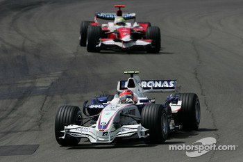 Robert Kubica,  BMW Sauber F1 Team and Ralf Schumacher, Toyota Racing