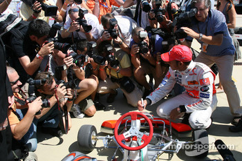 Lewis Hamilton, McLaren Mercedes, Vodafone Karting and opening of shop in Budapest