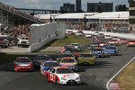 Start: Patrick Carpentier leads the field