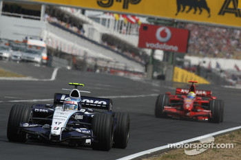 Alexander Wurz, Williams F1 Team, FW29 and Felipe Massa, Scuderia Ferrari, F2007
