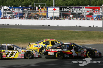 Start: Max Papis, Scott Pruett and Ron Hornaday battle