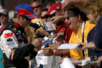 Greg Biffle signs autographs
