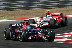 Vitantonio Liuzzi, Scuderia Toro Rosso, STR02 and Anthony Davidson, Super Aguri F1 Team, SA07