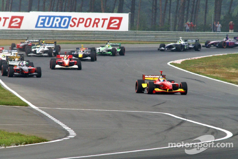 Sébastien Bourdais, all by himself out of the 1st curve after the start