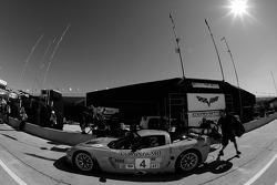 Pitstop practice for #4 Corvette Racing Corvette C6-R: Oliver Gavin, Olivier Beretta