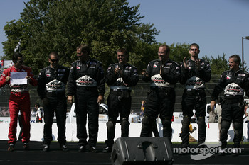 Drivers introduction: Helio Castroneves and his team