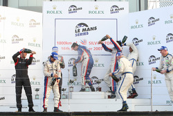 GT1 Podium: Champagne for all