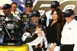 NASCAR-CUP: Victory lane: race winner Jeff Gordon celebrates with his baby girl Ella, wife Ingrid and Rick Hendrick