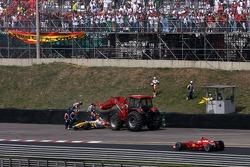 Heikki Kovalainen, Renault F1 Team crashes