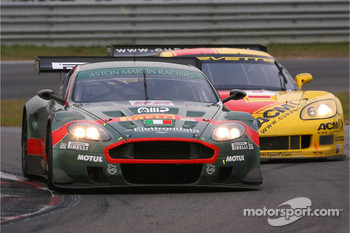 #22 Aston Martin Racing BMS Aston Martin DBR9: Jean-Marc Gounon, Ferdinando Monfardini