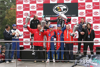 Championship podium: GT1 champion #1 Vitaphone Racing Team Maserati MC 12: Michael Bartels, Thomas Biagi, GT2 champion #50 AF Corse Motorola Ferrari 430 GT2: Toni Vilander, Dirk Muller