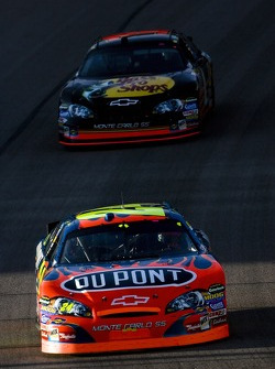 Jeff Gordon leads Martin Truex Jr.