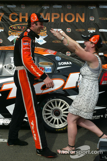 Garth Tander wins the 2007 V8 Supercar Championship