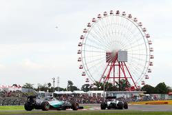 Valtteri Bottas, Williams FW37 leads Nico Rosberg, Mercedes AMG F1 W06