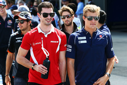 Alexander Rossi, Manor F1 Team and Marcus Ericsson, Sauber on the drivers parade