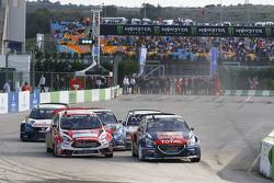 Start: Timmy Hansen, Team Peugeot Hansen leads