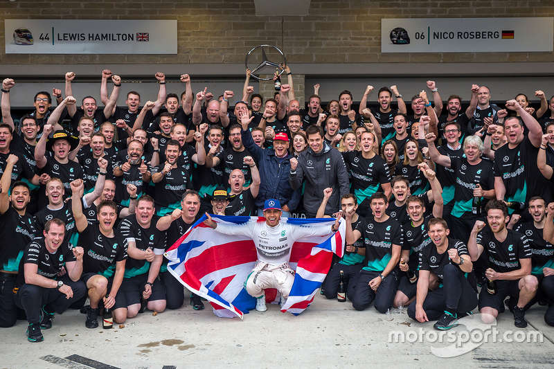 Race winner and World Champion Lewis Hamilton, Mercedes AMG F1 celebrates with the team at ...