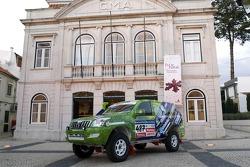 Equipa Padock: Toyota Land Cruiser 120 of Nuno Pereira and Ricardo Melo