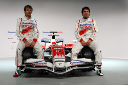 Jarno Trulli and Timo Glock pose with the new Toyota TF108