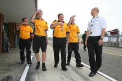 Alan Jones, Seat Holder of A1 Team Australia with John Martin, driver of A1 Team Australia and MBT Trainers