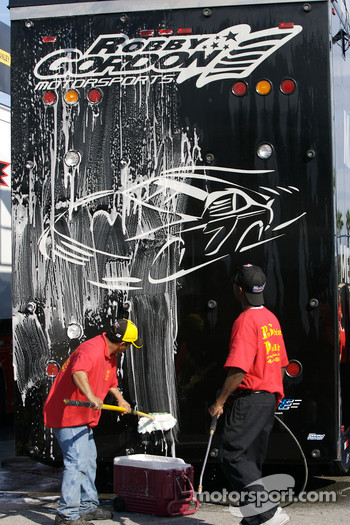 Crew washes haulers