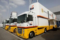 Renault F1 Team, trucks