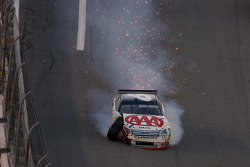 David Ragan crashes