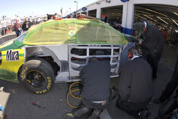 Scotts Ford crew members at work on the car of Carl Edwards