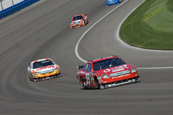Carl Edwards leads Greg Biffle