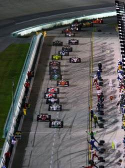 The field comes into the pits