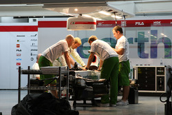 Rubens Barrichello, Honda Racing F1 Team with mechanics at night