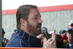 Eddie Gossage introduces Jimmie Johnson
