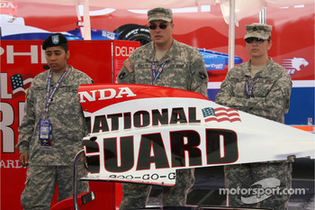 National Guard men and women pose
