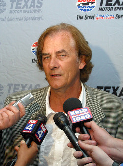 Hall of Fame Banquet: Arie Luyendyk