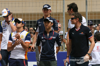 David Coulthard, Red Bull Racing, Kazuki Nakajima, Williams F1 Team and Nelson A. Piquet, Renault F1 Team