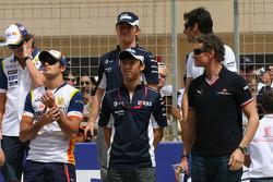 David Coulthard, Red Bull Racing, Kazuki Nakajima, Williams F1 Team and Nelson A. Piquet, Renault F1 Team