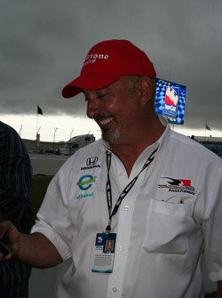 Bobby Rahal, father of the race winner