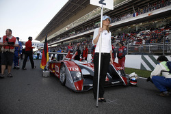 Audi Sport Team Joest grid girl