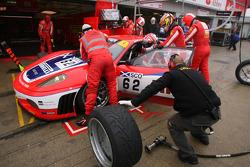 Pit stop for #62 Scuderia Ecosse Ferrari 430 GT2: Fabio Babini, Jamie Davies