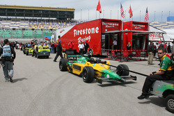 Teams head back to garage after the session