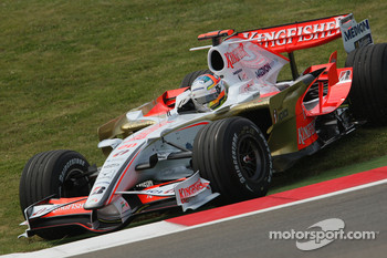 Adrian Sutil, Force India F1 Team, VJM-01, spins onto the grass