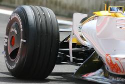 Nelson A. Piquet, Renault F1 Team, R28, Bridgestone tyres