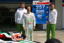 Rubens Barrichello, Honda Racing F1 Team, celebrating 257 Grand Prix with Ross Brawn Team Principal, Honda Racing F1 Team and Nick Fry, Honda Racing F1 Team, Chief Executive Officer