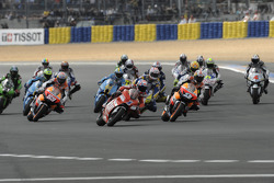Start: Casey Stoner and Dani Pedrosa lead the field