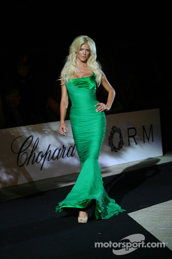 Victoria Silvistedt Amber Fashion which benefits the  Elton John Aids Foundation