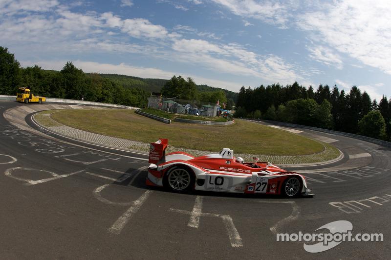 Romain Dumas bei einer Demofahrt mit dem Porsche RS Spyder auf der legendären Nordschleife