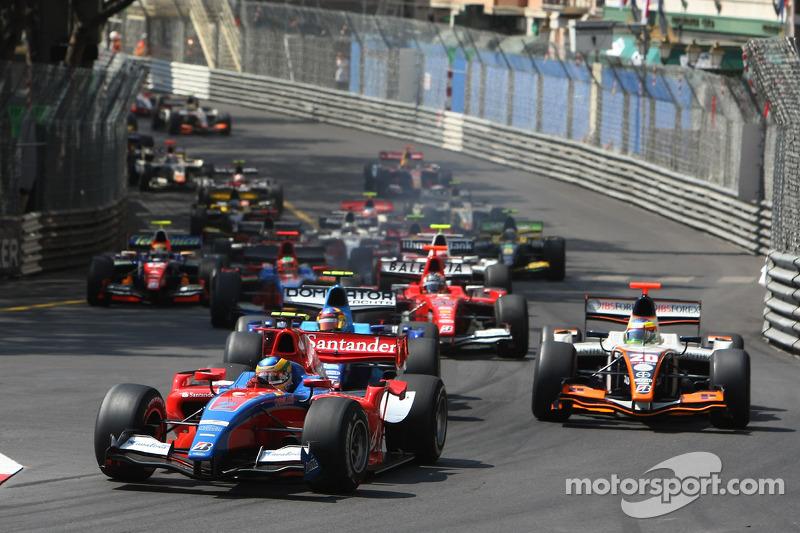 Start: Bruno Senna leads
