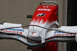 Toyota F1 Team, Front wing